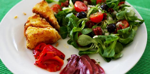 salade de camembert frit fa on bistrot le monde dans l 39 assiette. Black Bedroom Furniture Sets. Home Design Ideas